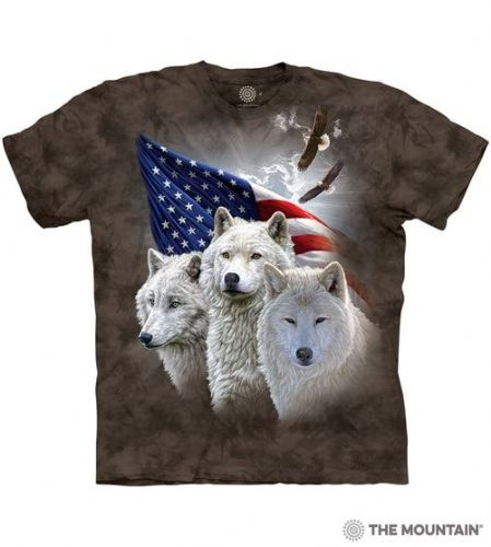 Patriotic Wolves T-shirt | The Mountain®